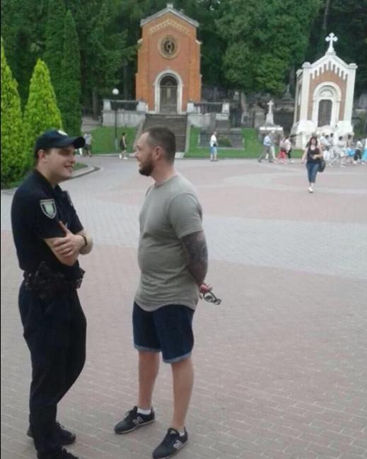 """Польські """"тітушки"""" влаштували погром у Львові"""