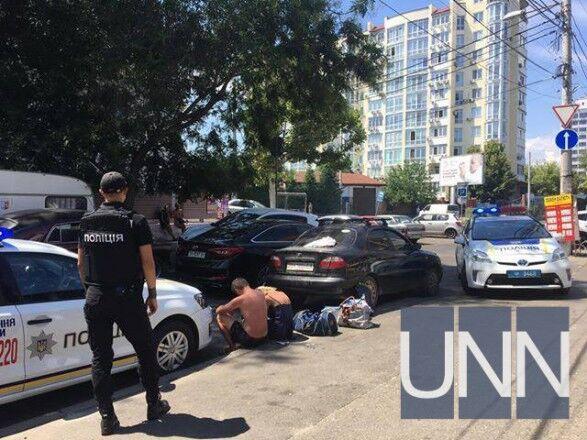 В Одессе неизвестный открыл стрельбу: первые фото с места ЧП