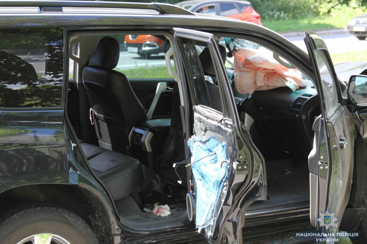 В авто ніхто не вижив: у Чернігові сталася кривава аварія