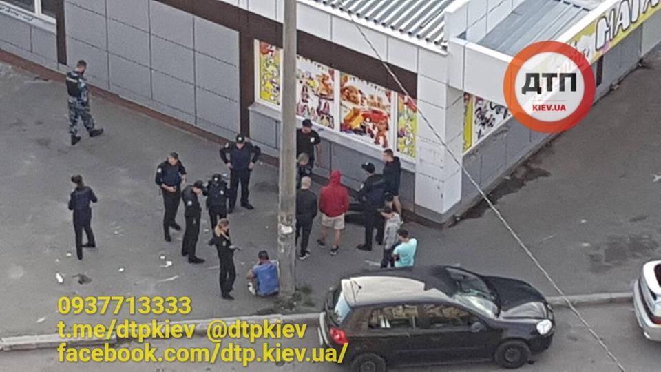 В Киеве мужчина устроил стрельбу из травмата