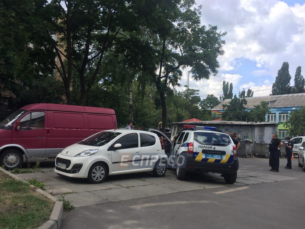 В Киеве в автомобиле нашли труп мужчины