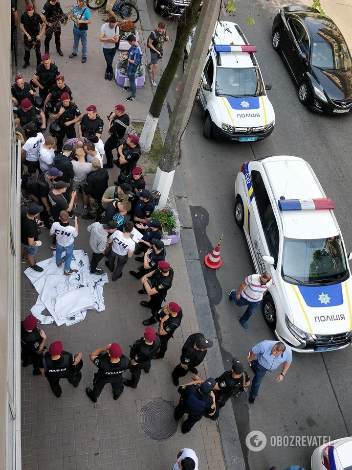 В Киеве жестоко избили политика: фото и видео