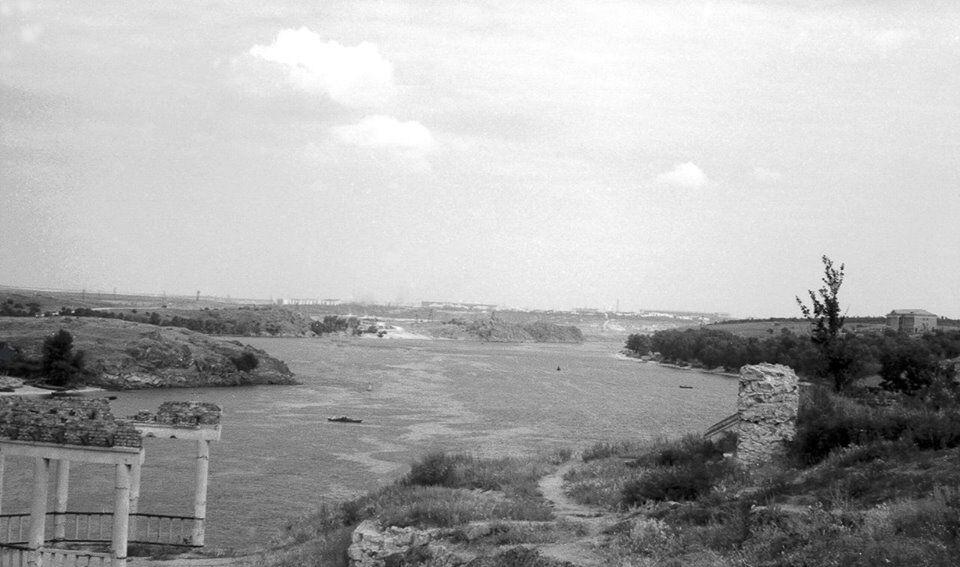 """1964 рік, узбережжя острова Хортиця в районі профілакторію заводу """"Запоріжсталь""""."""