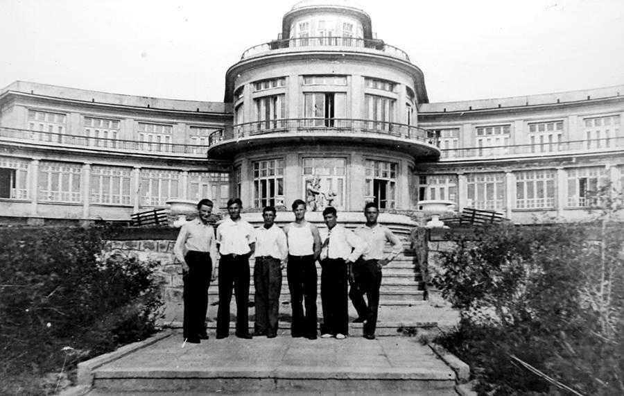 Будинок відпочинку металургів на острові Хортиця. Друга половина 30-х років минулого століття.