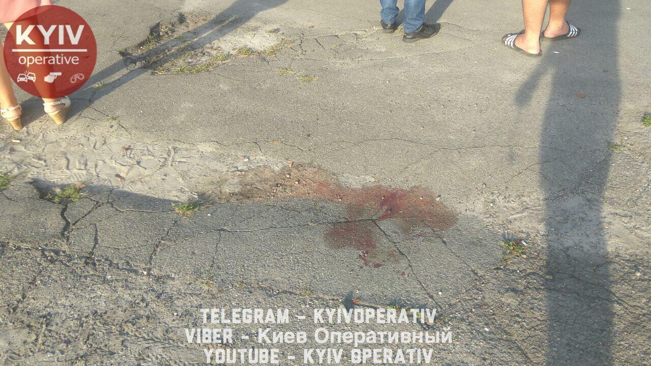 """В Киеве подстрелили мужчину: подробности """"гаражного протеста"""""""