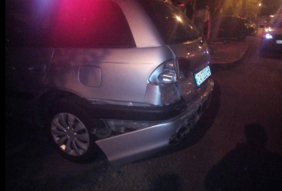 Одне з пошкоджених авто, яке вдарила водій Nissan