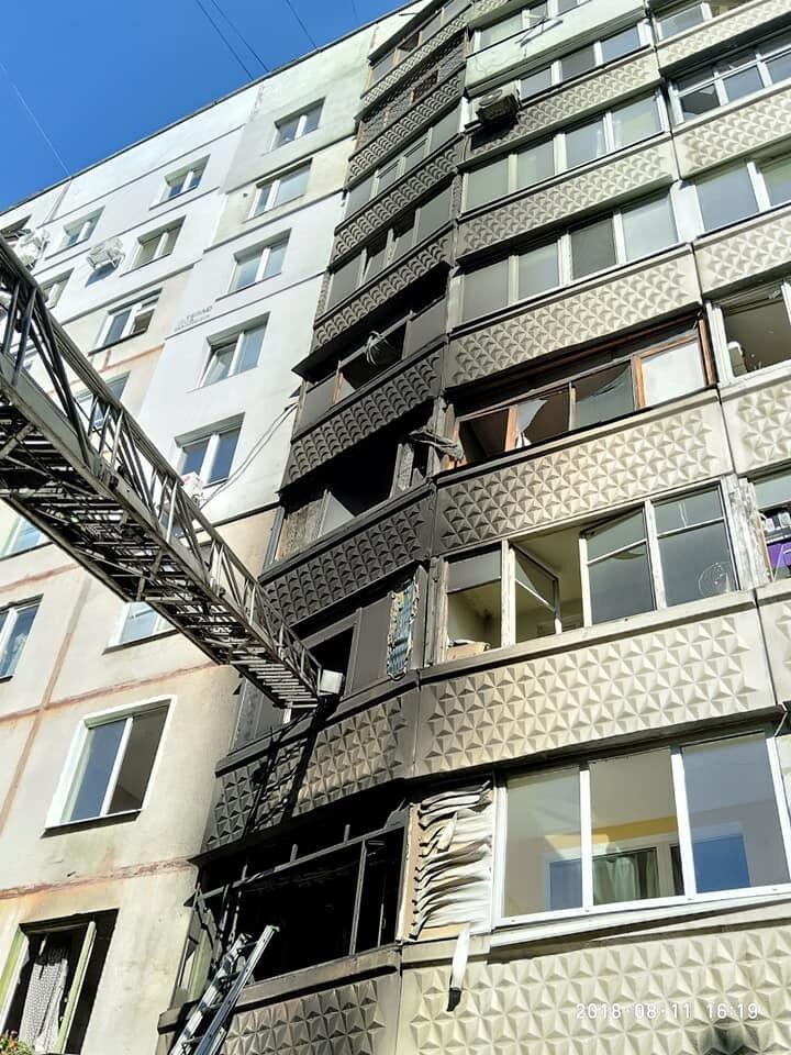 Вилітали вікна і двері: у Харкові прогримів потужний вибух