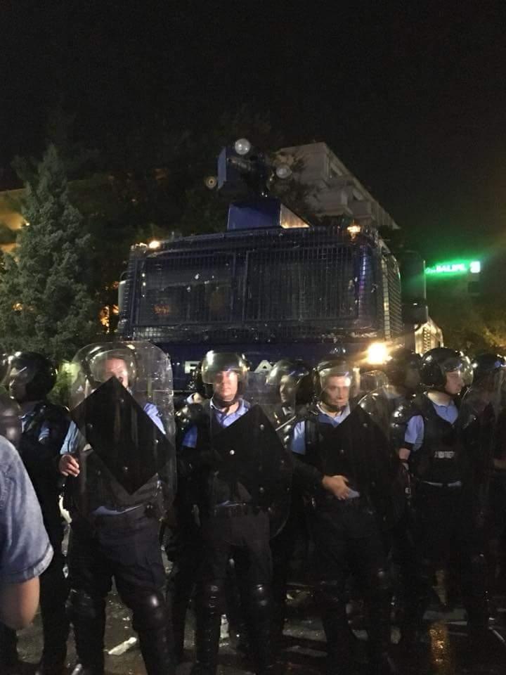 Протесты в Румынии: Бухарест охватили массовые акции протеста: более 100 пострадавших. Фото и видео 3