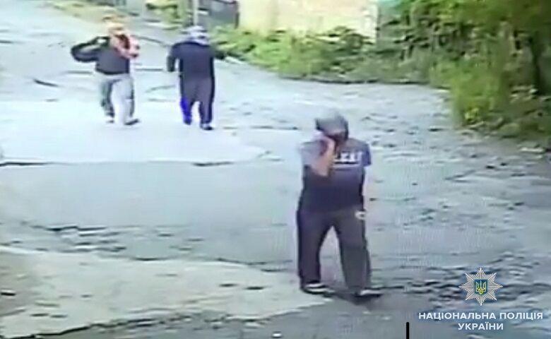 Нападники - іноземці: деталі пограбування ювелірного у Києві
