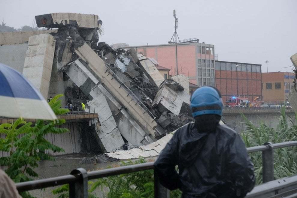 В Италии обрушился мост - десятки погибших: все подробности