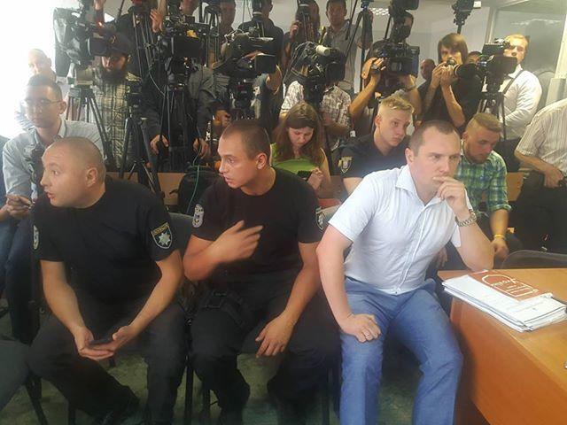 Адвоката Рябовола посадили поруч із приставами