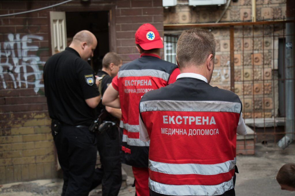 Медики і поліція на місці НП