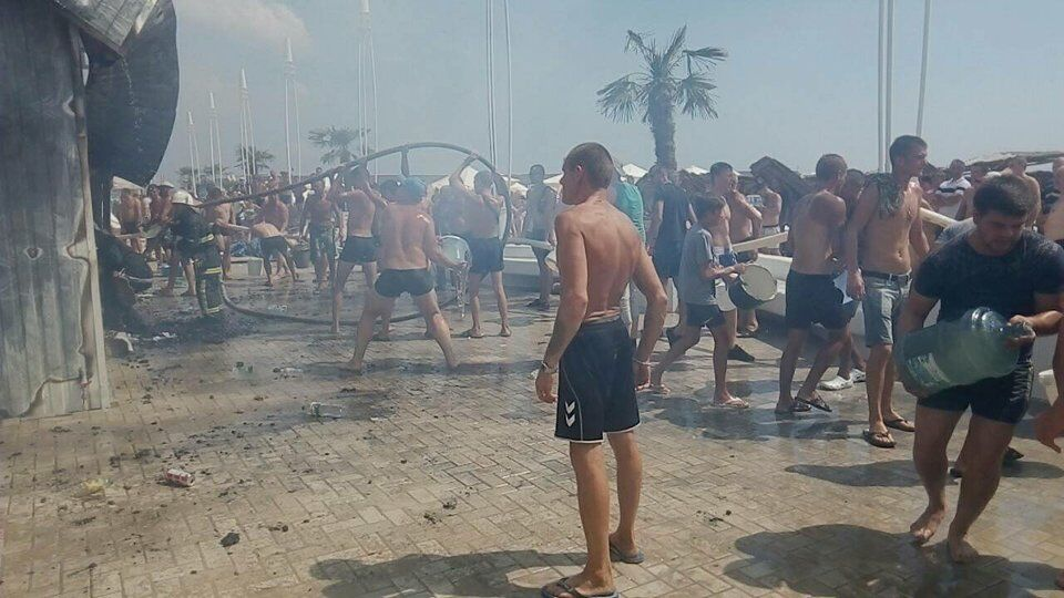 На українському курорті сталася пожежа: є постраждалі