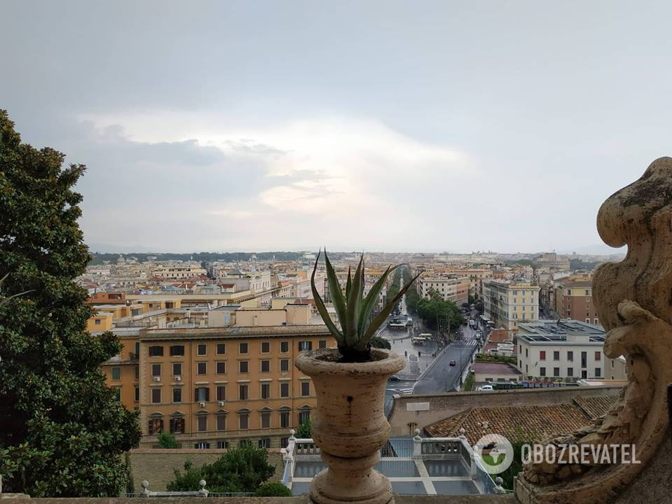 Невероятный вид на Рим из окна музея Ватикана