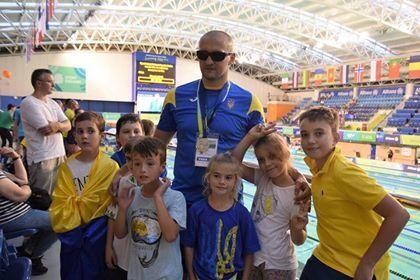 Віктор Смирнов з юними українськими уболівальниками!