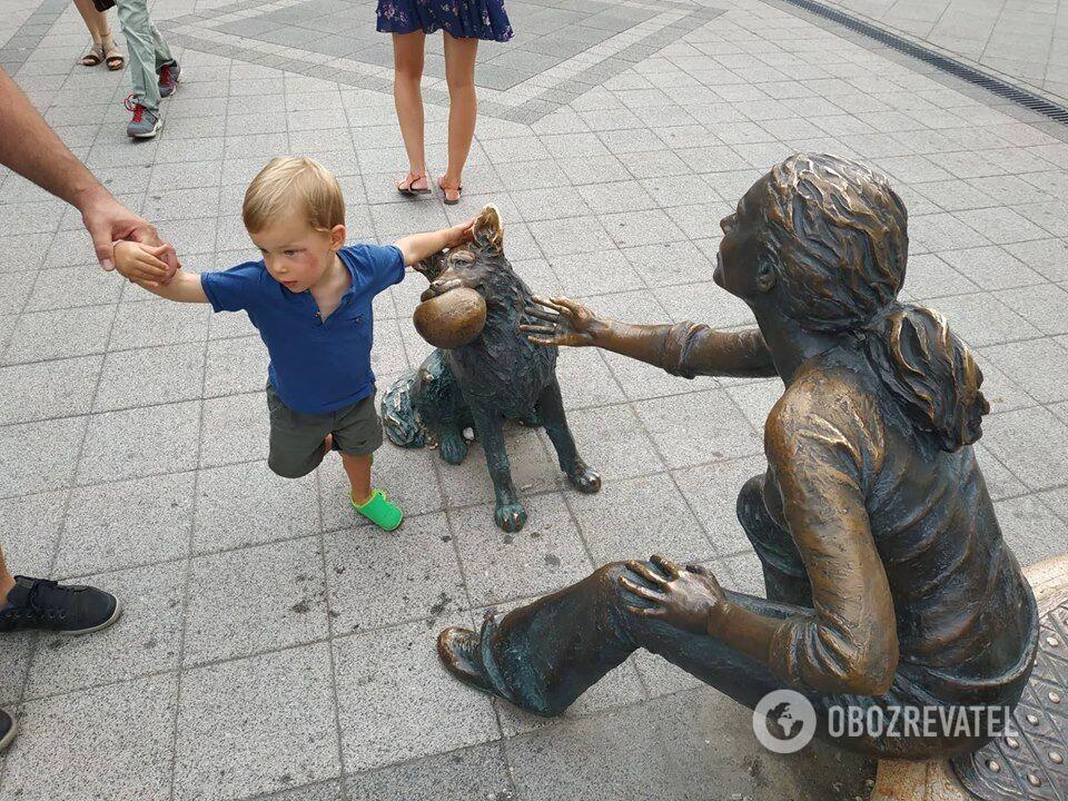 В Будапеште много необычных скульптур и памятников
