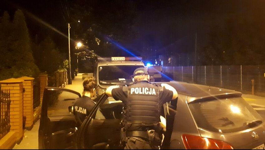 У Польщі троє чоловіків з мачете напали на пару з України