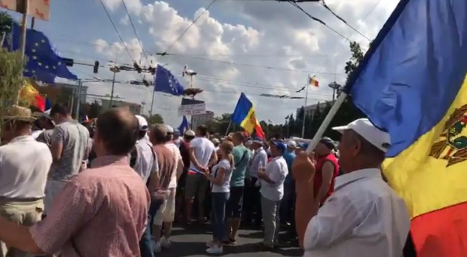 Молдову охватили массовые протесты против власти