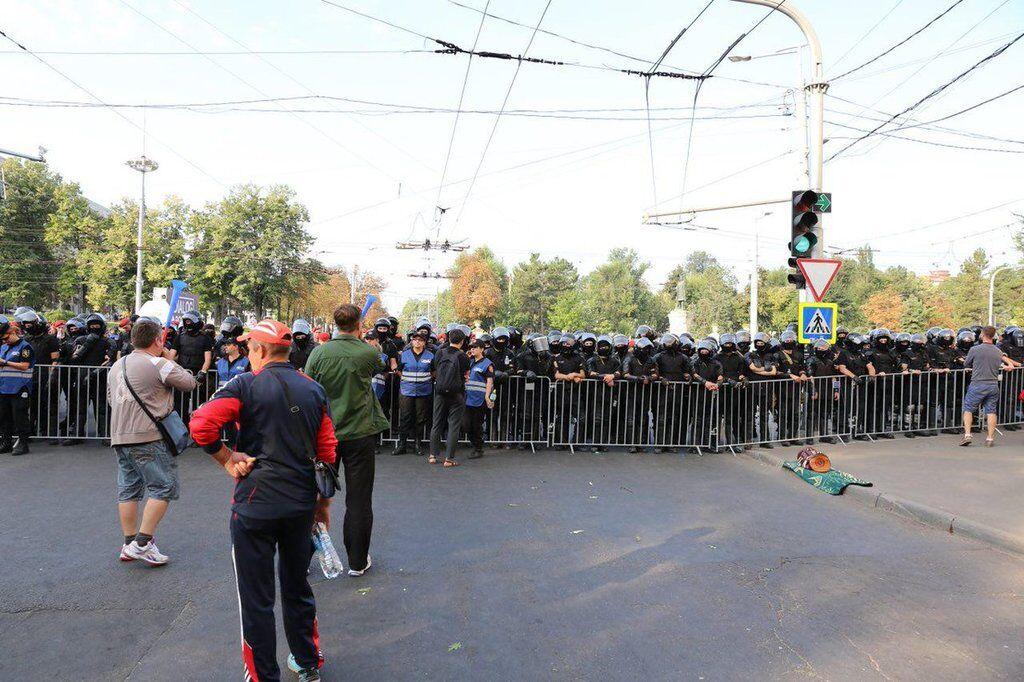 У Кишиневі поліція розігнала масовий протест: усі подробиці