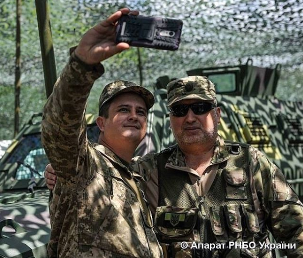 Анатолий с секретарем СНБО Александром Турчиновым