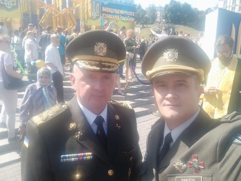 Анатолий с главой Генштаба Виктором Муженко