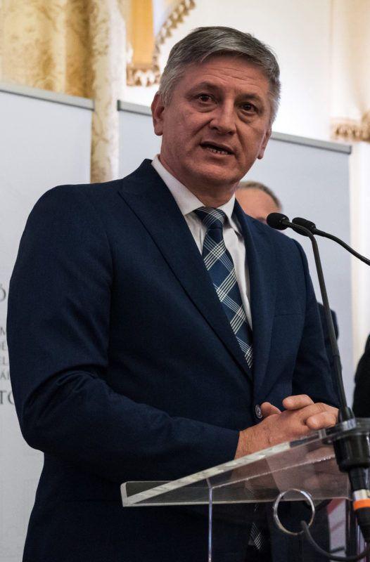 Иштван Грежа