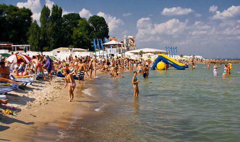 Пекельна спека та різке похолодання: якою буде погода в Україні у вересні