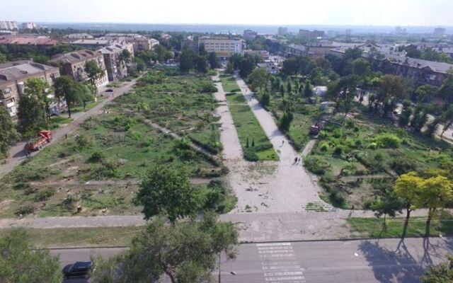 Уничтоженный в Запорожье парк сняли с высоты птичьего полета