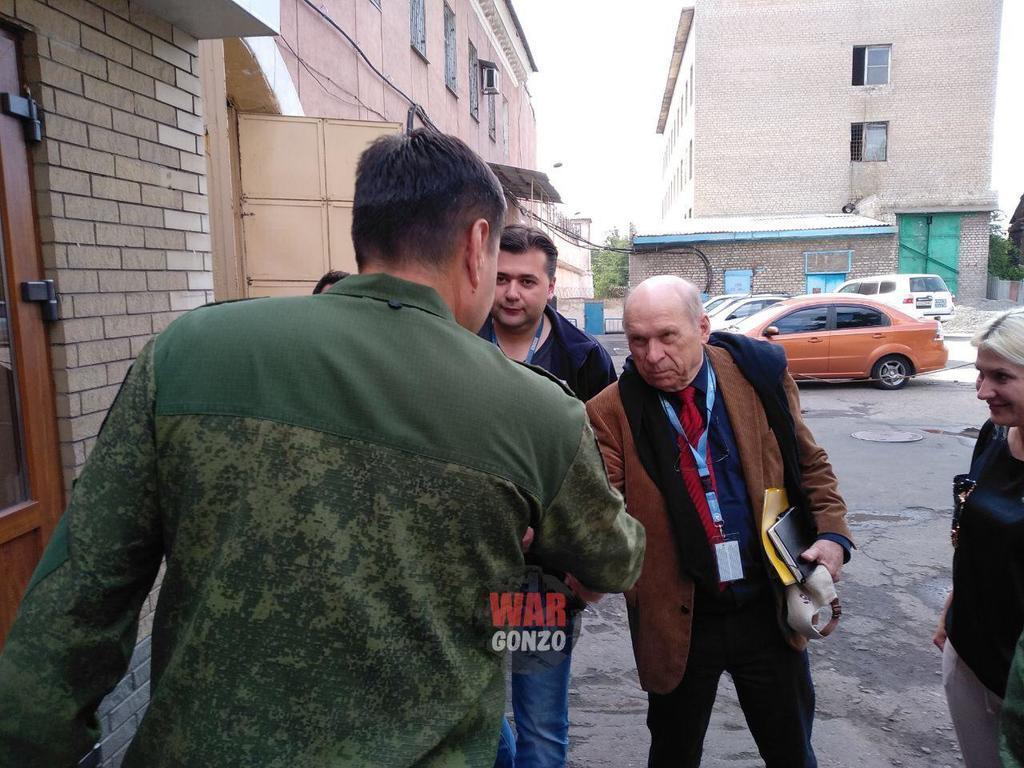 ''ДНР'' впервые пустили ОБСЕ к украинским заложникам