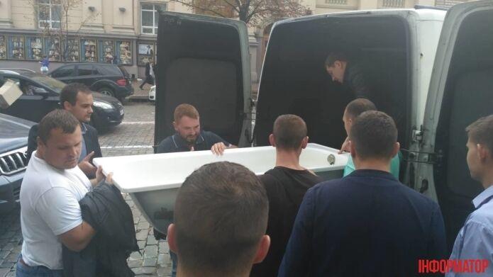 "Под офисом ""Нафтогаза"" требовали отставки Коболева"