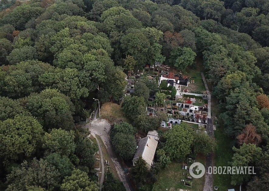 Видимый участок кладбища
