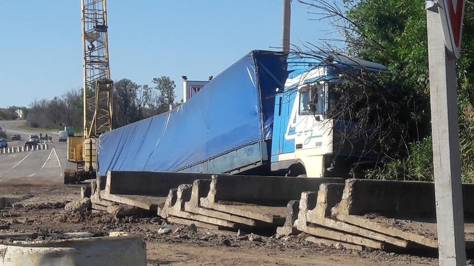 На трассе под Запорожьем произошло ДТП с фурой