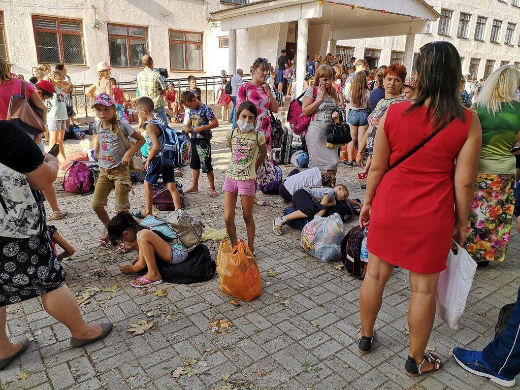 Из Армянска вывезли около 4000 человек