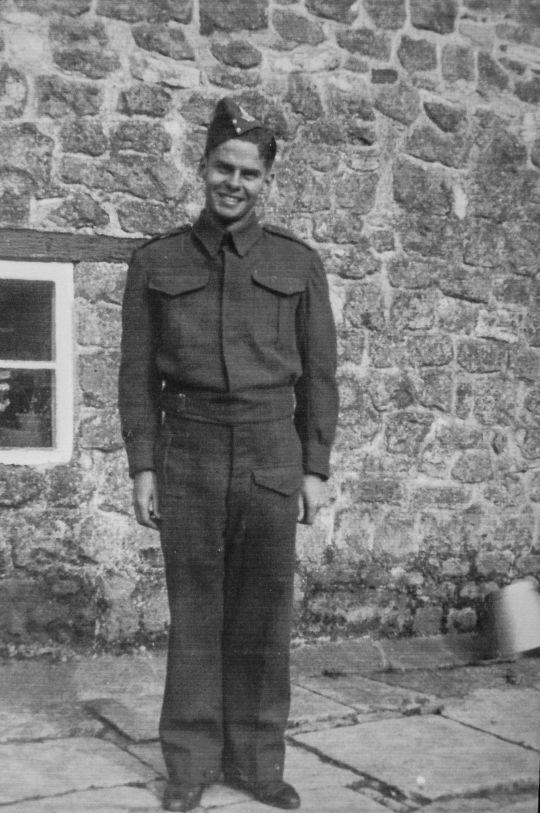 Хейман у молодості під час Другої світової війни