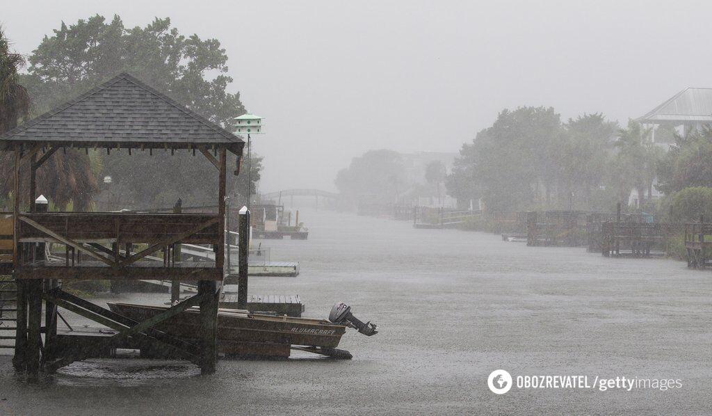 """Ураган """"Флоренция"""" поверг США в ад: появился яркий фоторепортаж """"армагеддона"""""""