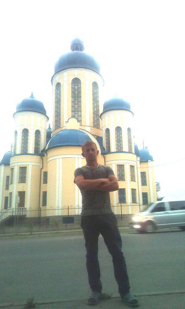 27-летний Константин Капалб