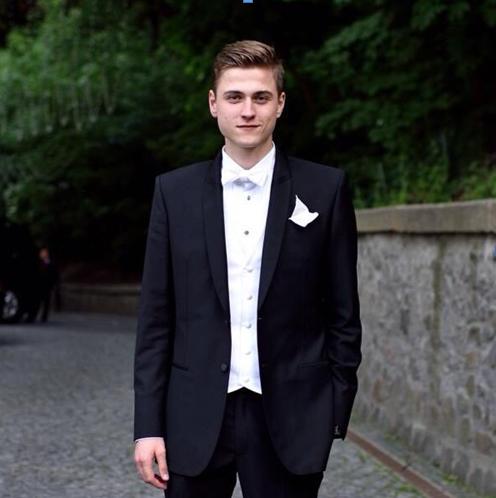 Приемный сын Бибы — Александр Белозеров