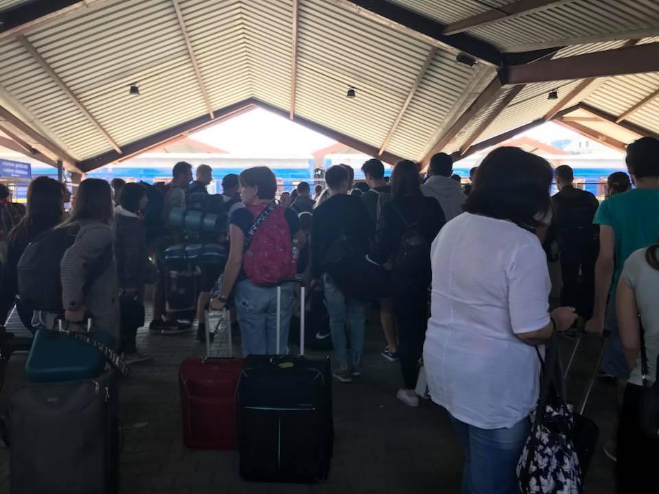 ''Катастрофа!'' В Україні почали бити на сполох через масову еміграцію у Європу