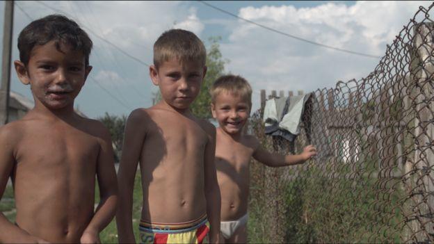 Репортаж про жахливу бідність ромів в Україні