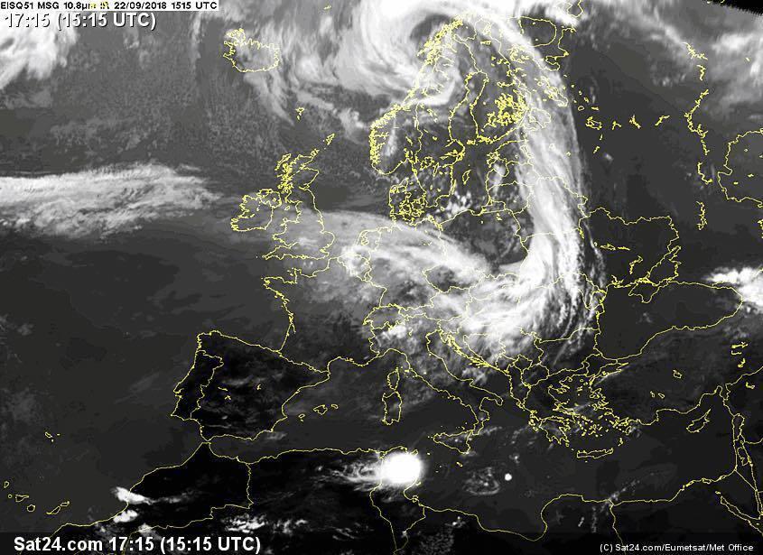Страшний вітер: синоптик попередила про наближення шторму в Україні