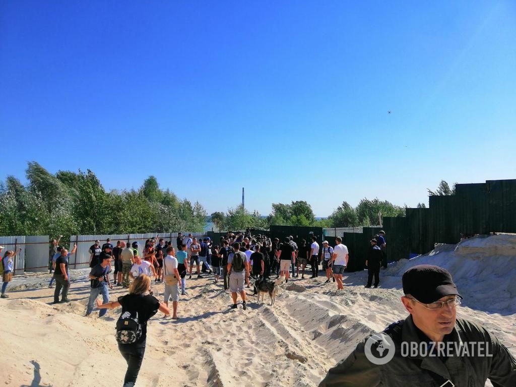 В Киеве задержали титушек в балаклавах и с гранатами