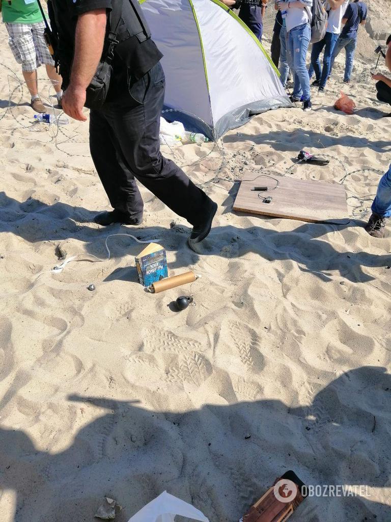 У Києві затримали тітушок у балаклавах і з гранатами