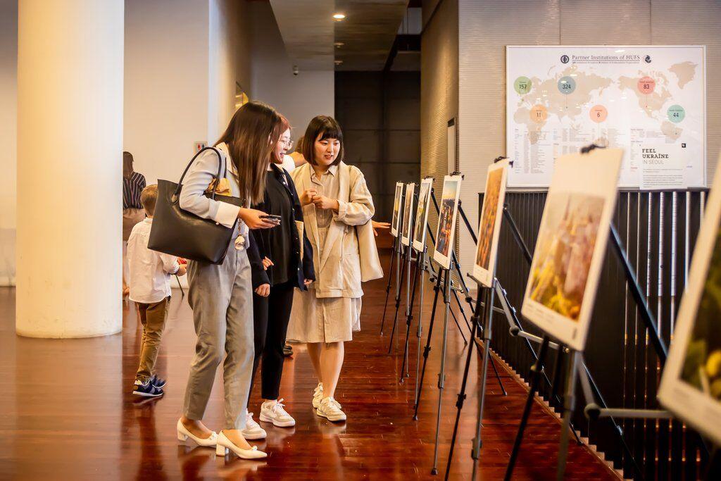 У Південній Кореї відбулася виставка про Україну: фото