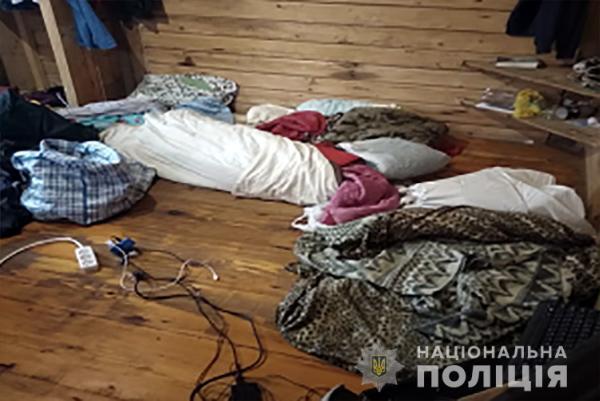 Держали в плену 32 человека: На Ивано-Франковщине