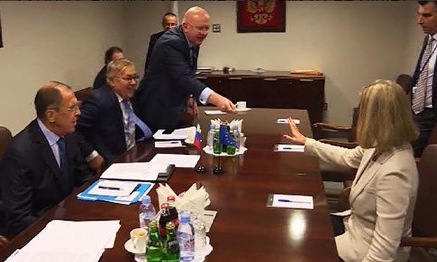 Россию позорно отшили: появилось показательное фото с Могерини