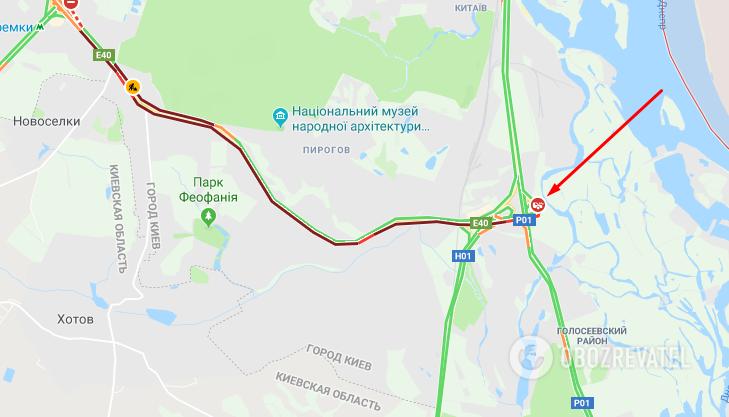 Затор на 8 км: у Києві аварія з фурою паралізувала трасу