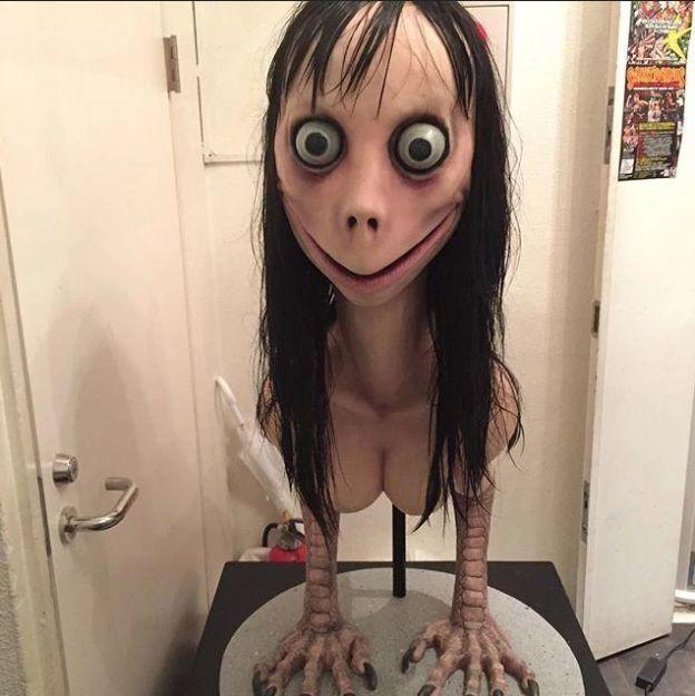 Скульптура Мидори Хаяси, фото которой используется МОМО как аватар