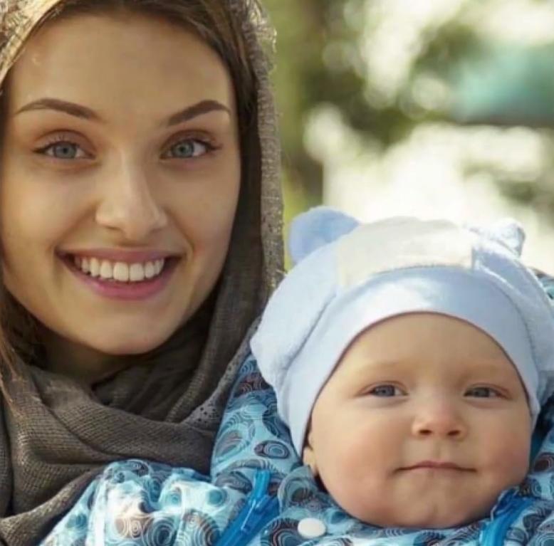 Вероніка Дідусенко і її дитина