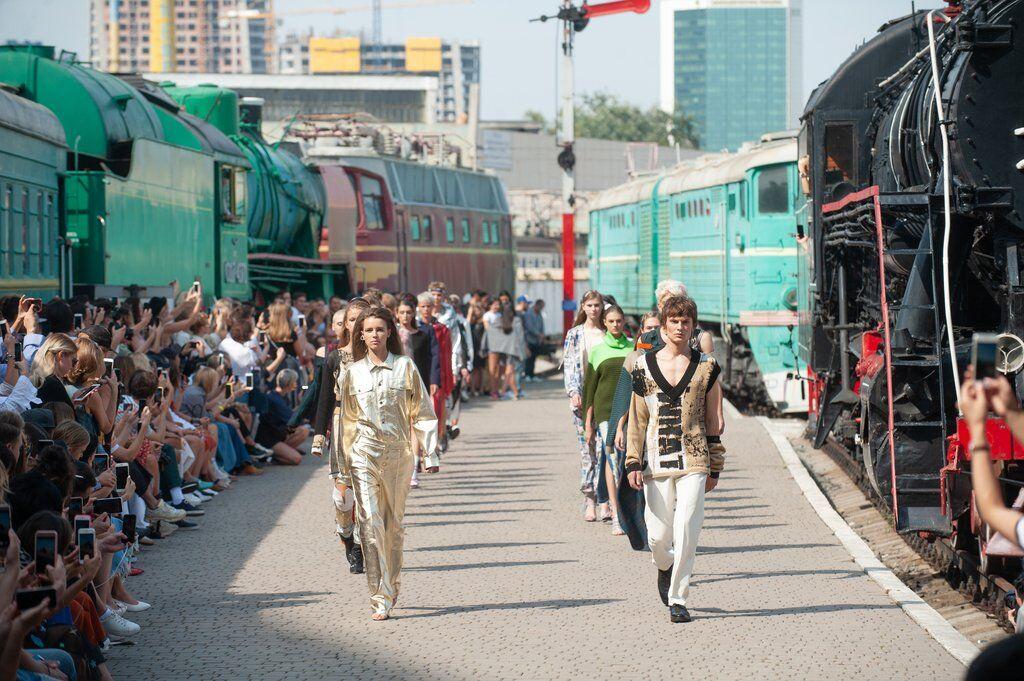 У Києві влаштували креативний модний показ
