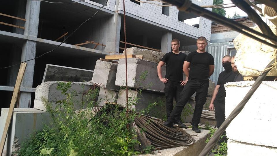Титушки на стройке по ул. Жилянская, 68